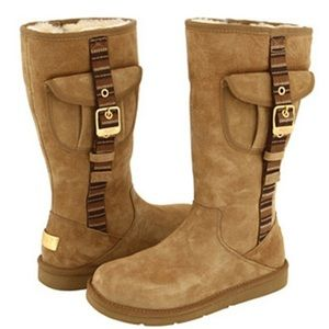 Tan Uggs with pockets